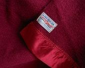 AMERICAN Wool Blanket Burgundy Wine