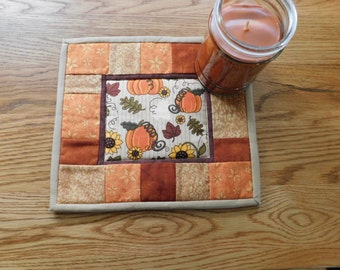 Candle Mat, Mug Rug, Quilted Fall Mat, Autumn Decor, Fall Decor, Autumn Leaves, Table Topper, Mini Quilt, Coaster, Table Mat, Snack Mat
