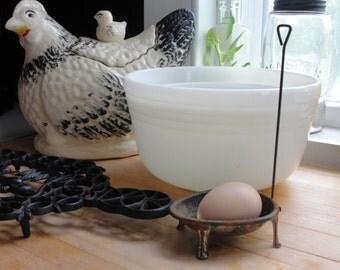 Vintage Kitchenware, Utensil, footed Egg dipper, Tin, egg poacher, long handled egg gadget