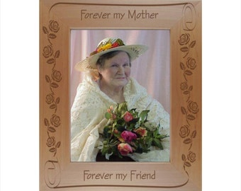 personalized mother photo frame engraved wood mothers day picture frame custom engraved frame for mom