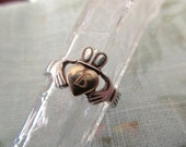 vintage sterling silver ring  with 18K gold heart - Irish, claddagh, size 7, celtic
