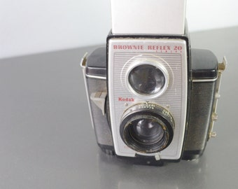 Very Cool Vintage Kodak Brownie Reflex 20 Camera