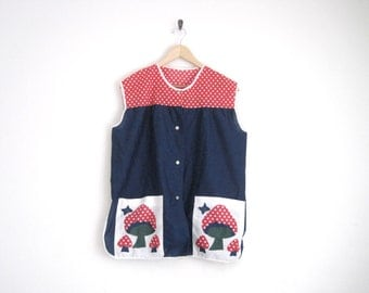 Vintage 1950s Blouse. Red Polka Dot Blouse. 50s Navy Blue Shirt with Mushroom Print. Sleeveless Button Down Top. Whimsical Hipster Hippie.