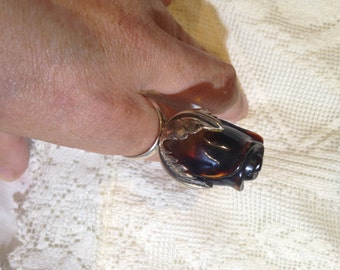 Vintage Hand Carved Cherry Baltic Amber Rose Ring