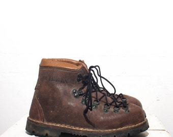 40% off Sale 8 | Men's OUTBACKS Brown Rough Out Hiking Boots