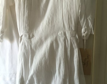 Gorgeous open backed child s pinafore French