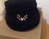 Vintage black felt ladies hat with broche pin accent wedding formal vintage fashion
