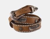 Eagle STUDDED Light Brown LEATHER Belt Vtg 70's Skinny Silver Stamped Etched Star Tapered Western Rocker Statement - Size 32 Medium/Large