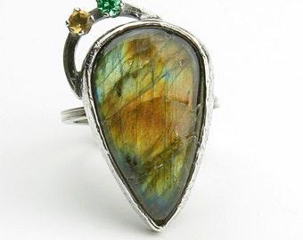 BELSHA Silver ring with labradorite