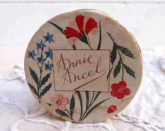 1930 French Powder Box French cardboard Box - Shabby Chic French Vintage Boudoir Box - Vintage Cosmetic