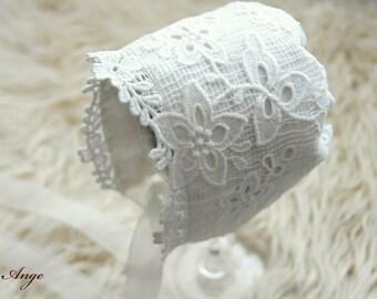 Newborn bonnet, Newborn lace bonnet, Newborn Photo Prop, Ivory bonnet, vintage style bonnet, newborn photography prop