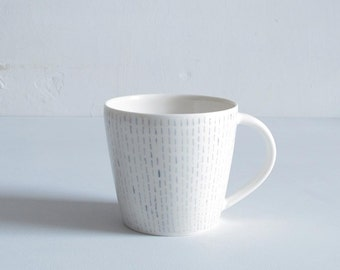 Porcelain mug running stitch pattern