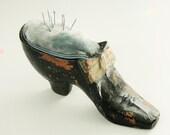 Antique Vintage Ladies Shoe Hat Pin Cushion 1900 - 1920