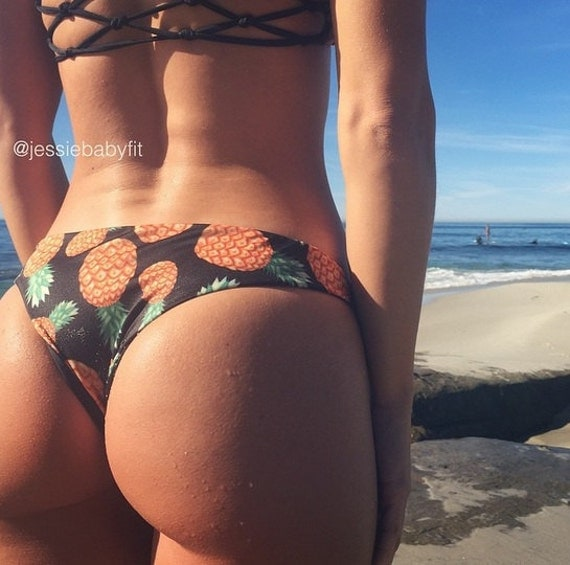 bubble butts in bikinis