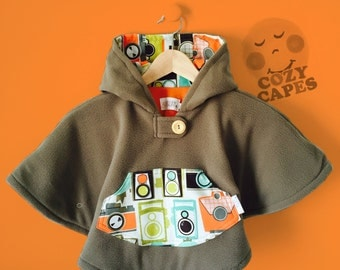 Car Seat Poncho Cape Fleece (Grey Cameras)