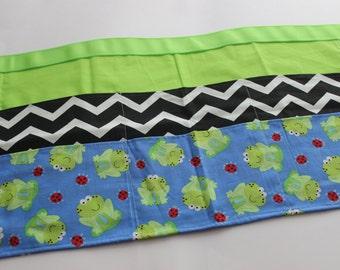 """Classroom Apron- """"Frog""""tastic (green, black & blue)"""