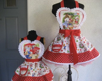 Mother Daughter Pam Kitty and Friends Retro Womens Apron