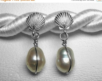 South Sea Pearl Earrings in Silver, 11 x 8.5 mm