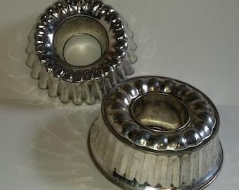 Vintage kitchen decor Antique classic metal fluted cake pans molds old aluminum cookware