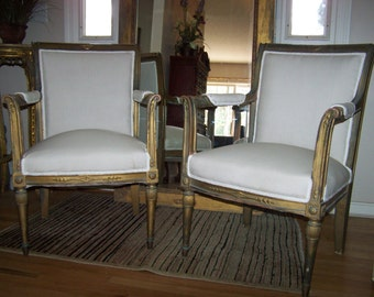 pair of vintage chairs,french style chairs,luis xv style,shabby chic fauteuils,cottage chic,wood, gilted chairs,classic chairs,simple lines