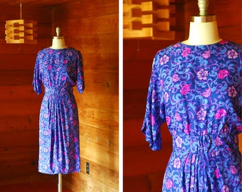 vintage Maggy London blue floral print silk dress / size small medium