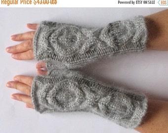 Fingerless Gloves Wrist Warmers Mittens Light Gray Knit