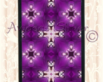 Purple Butterfly kaleidoscope design iPhone 5c case, iPhone 5s case black rubber base. Purple butterfly kaleidoscope design.