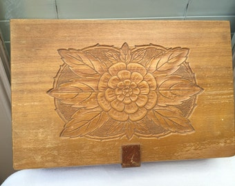 Antique wooden box jewelry keepsake deed lingerie carved wood lid dovetailed corners wood clasp