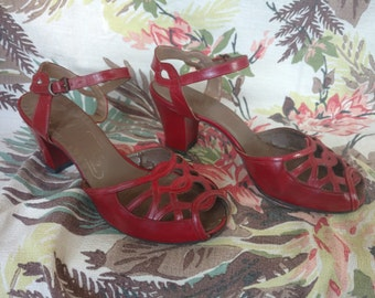 1940s Red Heels size 6.5
