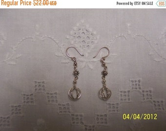 20 OFF EVERYTHING Vintage Ball and Flower Earrings. Sterling Silver.