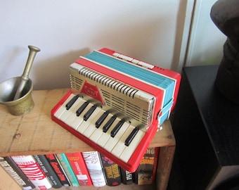 EMENEE Child's Accordion. Toy Accordion. Emenee Musical Toy. 1950's Emenee Accordion. Vintage Toy Instrument. Keyboard