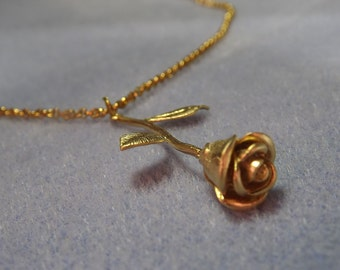 3D Rose Charm Necklace in Gold Plate (NP39)