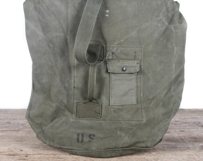 Vintage 1963 Military Duffle Canvas Green Bag / Vietnam Army Bag / Retro Military Bag / Duffel Travel Luggage / Authentic US Army Bag