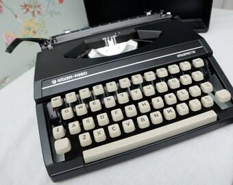Black Silver Reed Silverette Portable Typewriter
