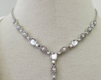 Necklace with glass and filigree from Avon
