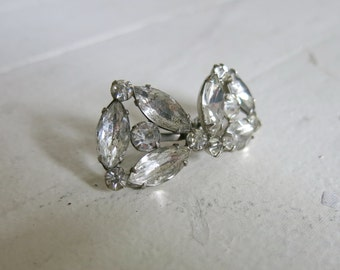 Sparkling earrings from the 40s or 50s with screw back
