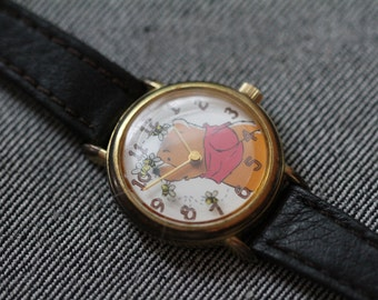 Vintage Winnie The Pooh Quartz Watch with small bees for seconds hand