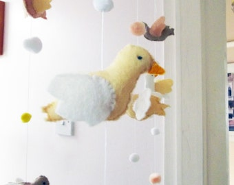 Bird Mobile, Nursery Decor, New Baby Gift, Neutral colours, Any Gender Mobile, Cot Mobile, Baby Mobile, Hanging Decoration