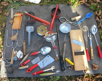 25 vintage antique good shape KITCHEN GADGETS UTENSILS junk drawer lot