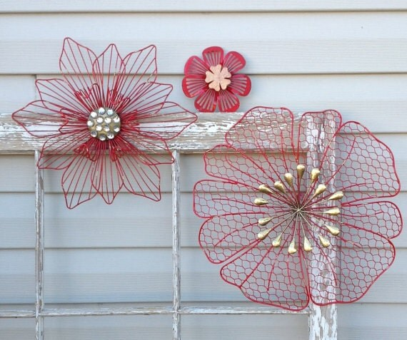 3d metal hanging flowers red chicken wire embellished for Room decor embellishment art 3d
