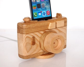 Vintage camera - iPhone dock - iPhone 5 / 5S / 5C / 6 / 6Plus / 6S / 6S Plus / 7 / 7 Plus  - iPod touch compatible - handmade
