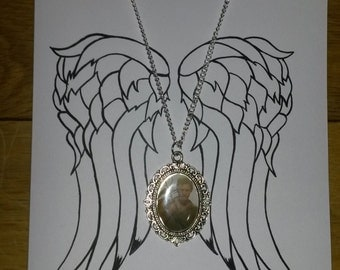 Hand Painted Daryl Dixon Wings Blank Greetings Card with Matching Silver Plated Cameo Necklace
