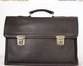 20 % off Vintage french brown grained leather SCHOOLBAG - BRIEFCASE with great patina - stylish bag -