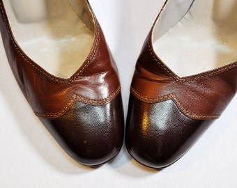 Vintage Two Tone Brown Leather Pumps Wingtip Shoes Retro Preppy Heels