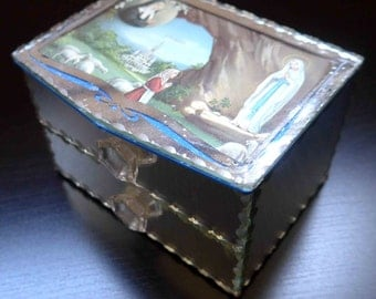 Beautiful Fench Vintage Religious 1950's Souvenir Mirror Box
