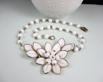 Gorgeous Gold Tone and Faux White Pearls Choker Necklace
