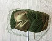 Vintage 60's Green Velvet Pill Box Hat A308