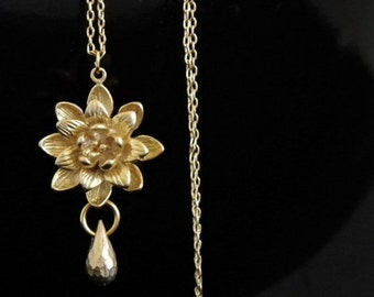 Gold Waterlily Lotus Necklace