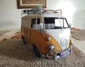 Vintage Volkswagon Metal Van Model - 1967 Classic Replica with Surfboards & Luggage on Top - Nostalgic Miniature Toy Model