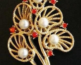 "Brooch Pin Red Rhinestones & Faux Pearls Gold Metal Filigree Floral Design 2.5"" Vintage"